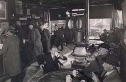 The oldest Irish tavern in the city, this ale house, which opened in 1854, was men-only until 1970.